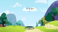 Pinkie Pie trampoline S1E5
