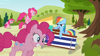Rainbow Dash defends against Pinkies S3E3