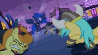 """S02E04 """"Mieszkańcy Ponyville!!"""""""