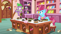 Spike and Mrs. Cake hear a commotion S9E23