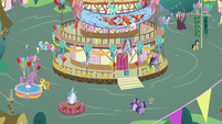 Wide view of Ponyville town square S7E15