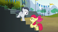 Apple Bloom stops Rumble on the stands S7E21