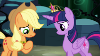 Applejack speaking to Twilight S4E02
