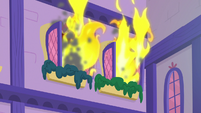 Flames pour out of second-story window S8E21