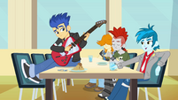 Musician table EG