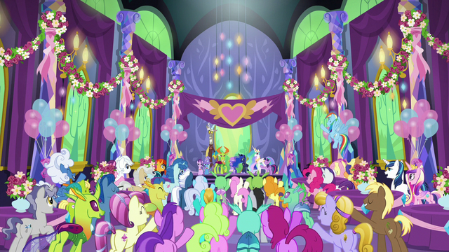File:Ponies and changelings cheer for the heroes S7E1.png