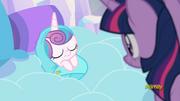 S06E01 Twilight patrzy na śpiącą Flurry Heart