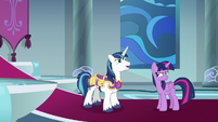 Shining Armor bragging at Twilight S9E4