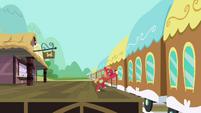 Big McIntosh replacing the train car wall S02E24