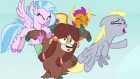 Derpy swerves past Silverstream, Smolder, and Yona S8E1