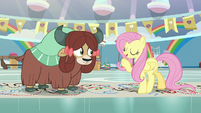 "Fluttershy ""hold one and two"" S9E7"