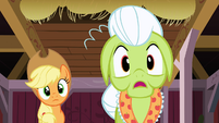 Granny Smith is shocked S3E08