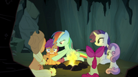 Rainbow Dash sets Scootaloo back on the ground S7E16