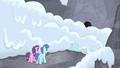 Snowslide in front of the cave entrance S5E2.png