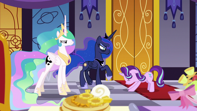 File:Starlight bows apologetically to Celestia and Luna S7E10.png