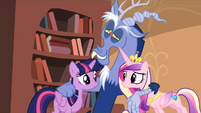 Twilight and Cadance looking at each other S04E11