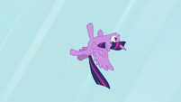 Twilight flying upside-down S4E01