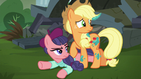 Applejack and Method Mare look at stage S5E16