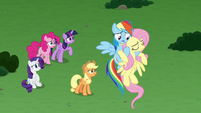 Fluttershy falls in Rainbow's hooves S9E25