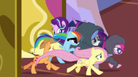 Main five galloping into the castle S7E14