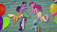 Mane Six dancing around Gummy BFHHS4