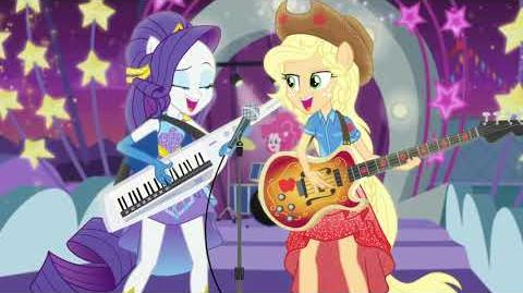 My Little Pony Equestria Girls Rollercoaster of Friendship - Photo Booth Ukrainian in STEREO