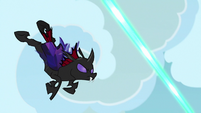 Pharynx dodging Starlight Glimmer's magic S7E17