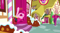 "Pinkie ""no more yovidaphone playing for me!"" S8E18"