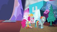 Pinkie Pie becomes a bard S6E17