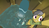 Piranhas jumping at Daring Do S4E04