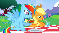 Rainbow Dash eating sandwich S2E25