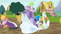 Rarity's cart blocks other carts from passing S6E14