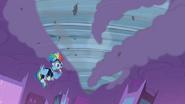 S04E06 Rainbow Dash tworzy tornado