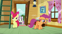 Scootaloo sighing with satisfaction S7E6