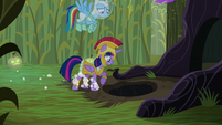 Twilight stops running in front of a hole S5E21