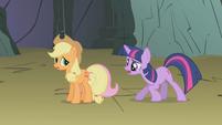 Twilight talks to hiding Fluttershy S1E07