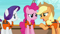 "Applejack ""I just wanted to give you two"" S6E22.png"