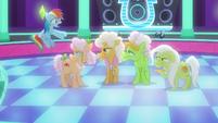 """Rainbow Dash impatient """"oh, come on!"""" S8E5"""