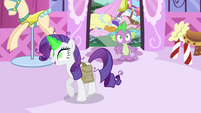 Rarity and Spike in the boutique S4E23