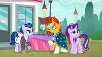 Sunburst -where do ponies buy fruit-- S8E8