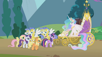 Twilight and friends next to Celestia's chariot S1E10