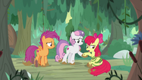 "Apple Bloom ""head back to the station"" S9E22"