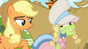 Granny Smith wearing a wig and bonnet S7E19