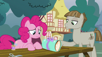 Pinkie fails to make friends with Mudbriar S8E3
