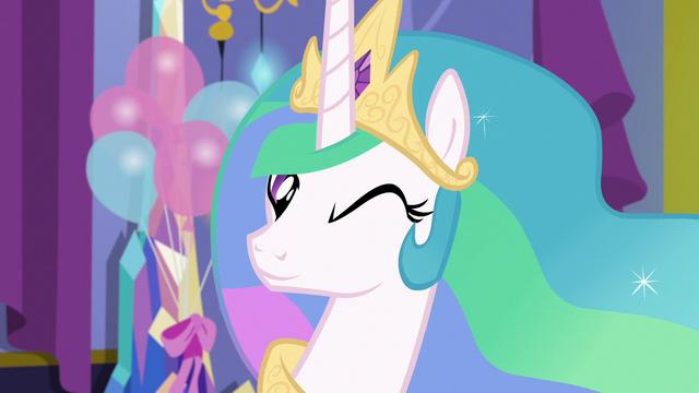 File:Princess Celestia winks at Twilight Sparkle S7E1.png