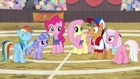 "Rainbow Dash ""against Team Ponyville!"" S9E6"