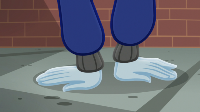File:Rainbow Dash doing a handstand EGS1.png