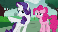Rarity pointing the blame at Applejack S7E9