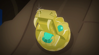 Second close-up of Amulet of Culiacan S6E13