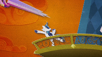 Shining Armor tosses Cadance into the sky BFHHS5